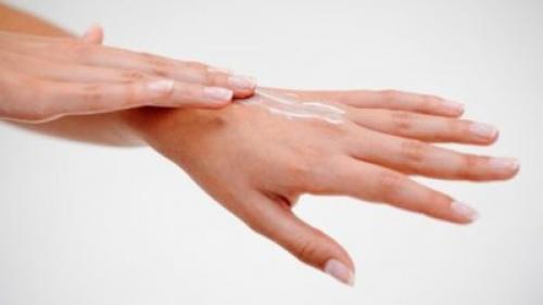 Мазь для рук от сухости и трещин. Народные рецепты лечения кожи рук