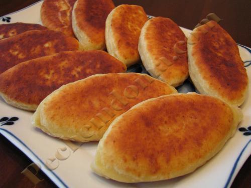 Пирожки жареные из творожного теста с яблоками. Жареные творожные пирожки с яблоками