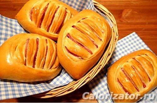 Булочки с ветчиной и сыром из слоеного теста калорийность.