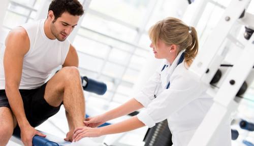 Болит колено можно ли заниматься фитнесом. Посещение спортивного врача