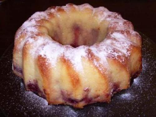 Пирог с вишней на кефире с манкой. Как испечь манник с вишней на кефире, рецепт