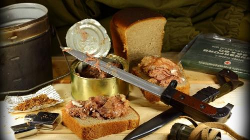 Советские простые столовские салаты. Вторые блюда, салаты и закуски