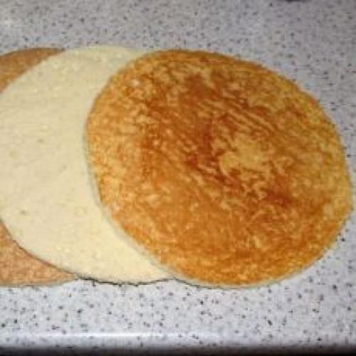 Бисквитные тонкие коржи для торта рецепт. Рецепт бисквитных коржей