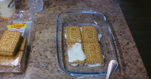 Торт без выпечки из печенья и сметаны. Общие правила выбора продуктов и приготовления