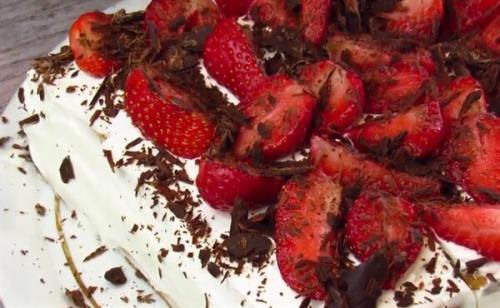 Торт из печенья без выпечки. Как приготовить торт без выпечки с маскарпоне и печеньем в домашних условиях?