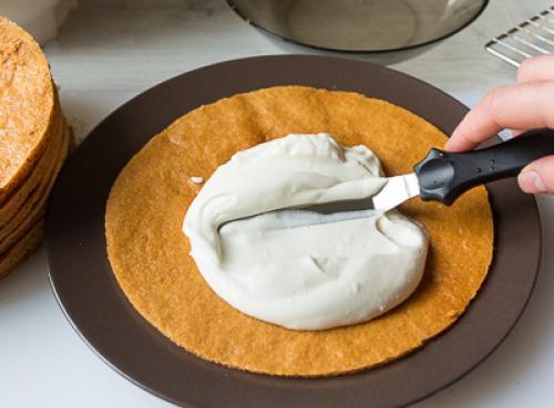 Медовик ателье, какое получается и тесто и как выпекать. Как приготовить медовик «Ателье»:
