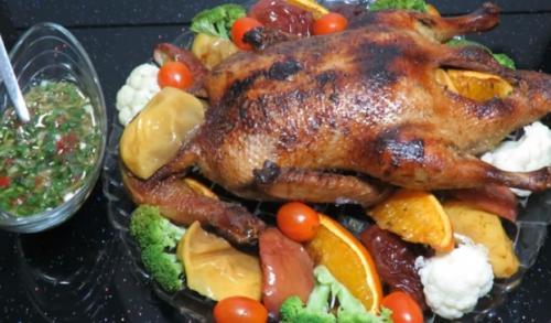 Утка с яблоками и апельсинами в утятнице. Вариант приготовления утки, запеченной с апельсинами