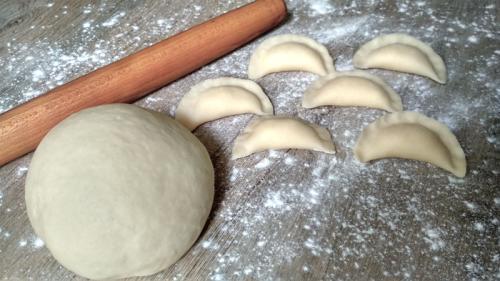 Идеальное тесто для пельменей и вареников. Заварное тесто без яиц
