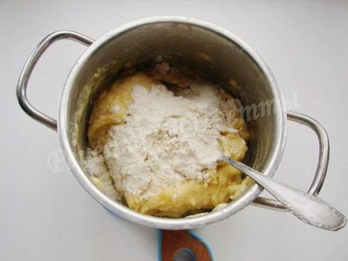 Заварное тесто на вареники на молоке. Заварное тесто на молоке для вареников