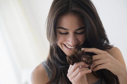 Лечение секущихся волос народными средствами. Секущиеся кончики: 10 способов решить проблему в домашних условиях