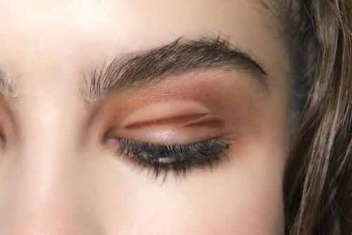 Как хранить карандаши для глаз. Срок годности карандаша для глаз и бровей