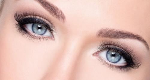 Дневной макияж для серо-голубых глаз. Техника и виды макияжа для серо-голубых глаз с фото и видео