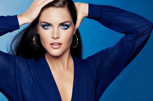 Макияж под темно синее платье. Полезные советы