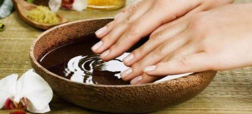 Увлажнение кожи рук. Как увлажнить очень сухую кожу рук?