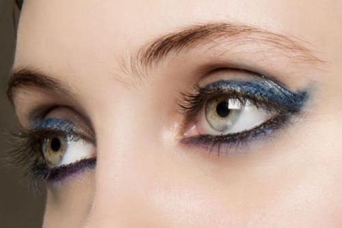 Тени для зеленых глаз и темных волос. Особенности макияжа для зеленоглазых девушек