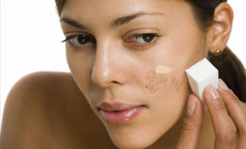 Как замаскировать пигментные пятна на лице. Невидимый секрет: лучшие способы замаскировать пигментные пятна на лице