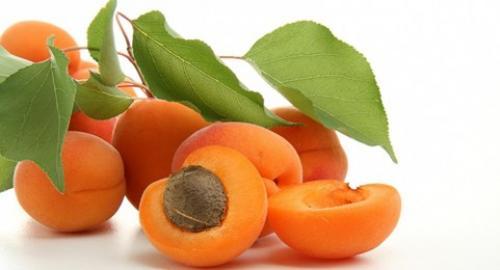Маска из абрикоса. Польза абрикосов для кожи