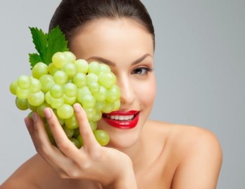 Лосьон из винограда для лица. Виноград: маски для лица и увлажняющий лосьон