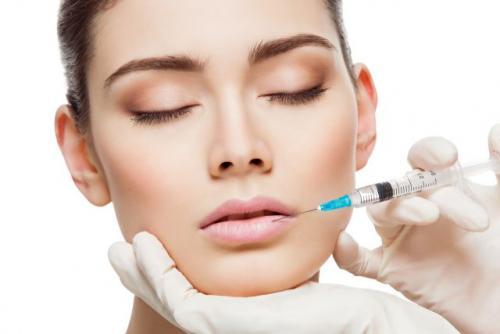 Плампер для губ. Плампер - средство для губ, которое заменяет инъекции