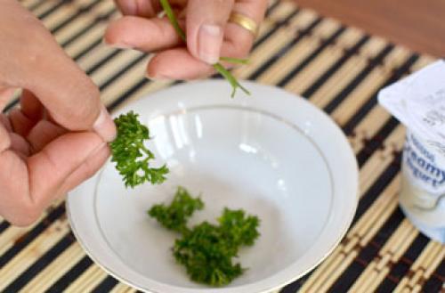 Лосьон из петрушки для лица в домашних условиях. Рецепты приготовления в домашних условиях