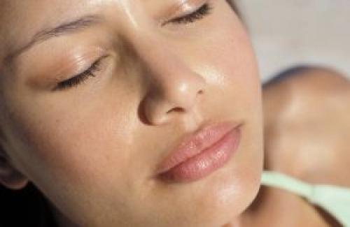 Крема для жирной кожи лица. Как выбрать хороший крем?