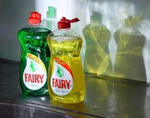Средство для мытья посуды фейри. Fairy