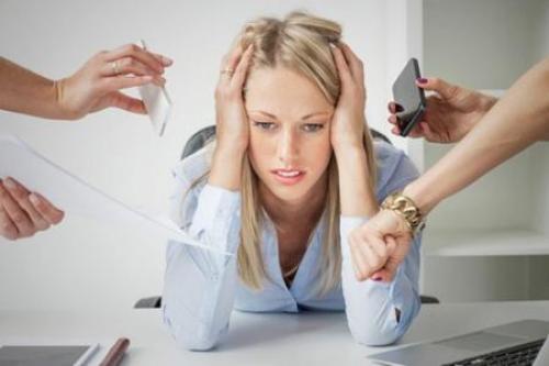 Специалист по волосам. Как называется врач по выпадению волос и когда к нему нужно идти?