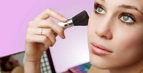 Как пользоваться правильно косметикой. Как наносить макияж правильно