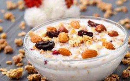 Мюсли на завтрак при похудении. Польза хлопьев
