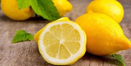 Вода с лимоном рецепт приготовления. Чудесные особенности приема теплой воды с лимоном натощак. Рецепт напитка