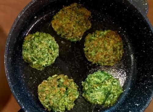 Оладьи из кабачков самый вкусный рецепт. Самый вкусный и простой рецепт кабачковых оладий с овсяными хлопьями