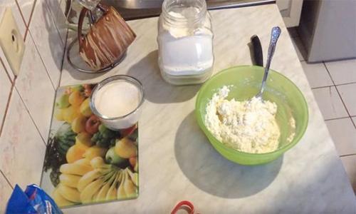Рецепт сырников в духовке. Детский вариант