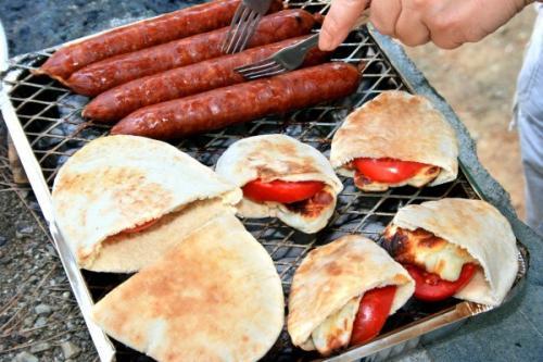 Лаваш на гриле с начинкой Рецепт. Лаваш на гриле: 5 потрясающих рецептов для пикника