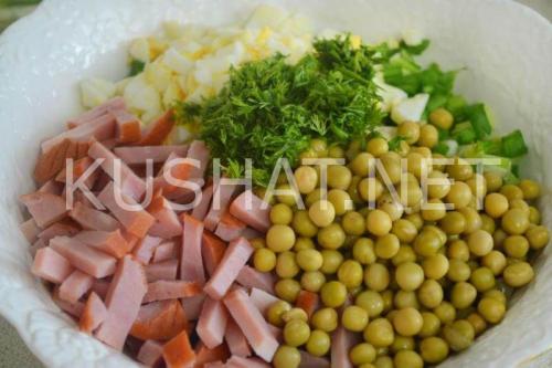 Салат с ветчиной и горошком. Салат с ветчиной, горошком и зеленым луком. Пошаговый рецепт с фото