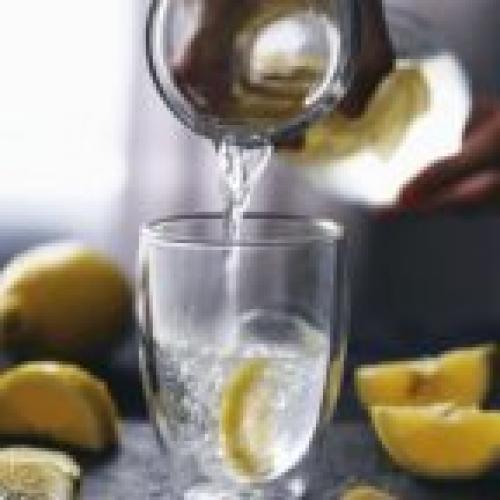 Почему вода с лимоном ощелачивает. Почему лимон ощелачивает организм