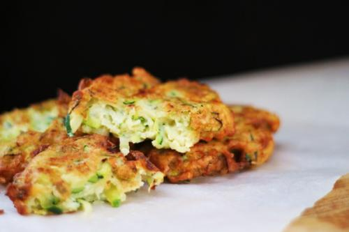Оладьи из кабачков с сыром без муки. Нежные оладьи из кабачков быстро и вкусно — рецепты с фото и видео инструкциями