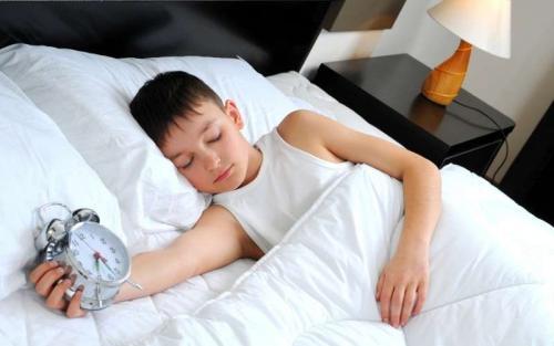 Во сколько нужно ложиться спать подростку. Сколько рекомендуется спать подростку в 14-17 лет?