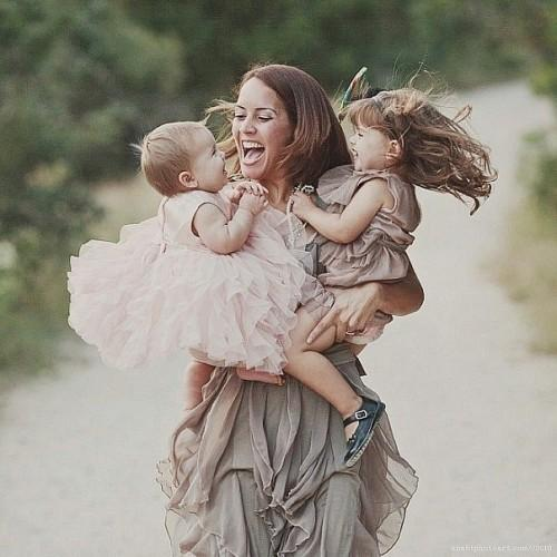 Мама-самая сложная профессия. Есть такая профессия- МАМА