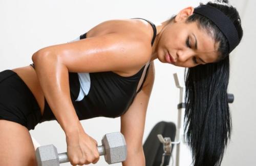 Силовые тренировки для женщин для похудения. Польза