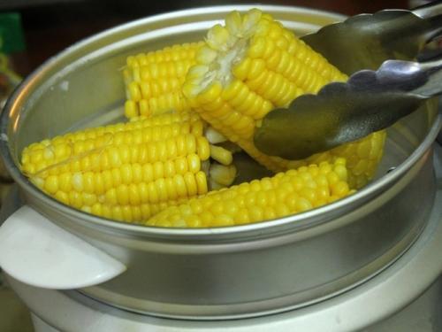 Вареная кукуруза калорийность. Пищевая ценность, калорийность
