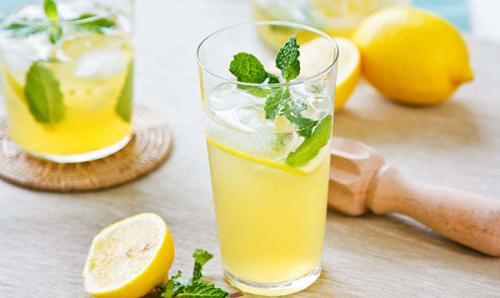 Натощак вода с лимоном для похудения. Польза воды с лимоном для похудения