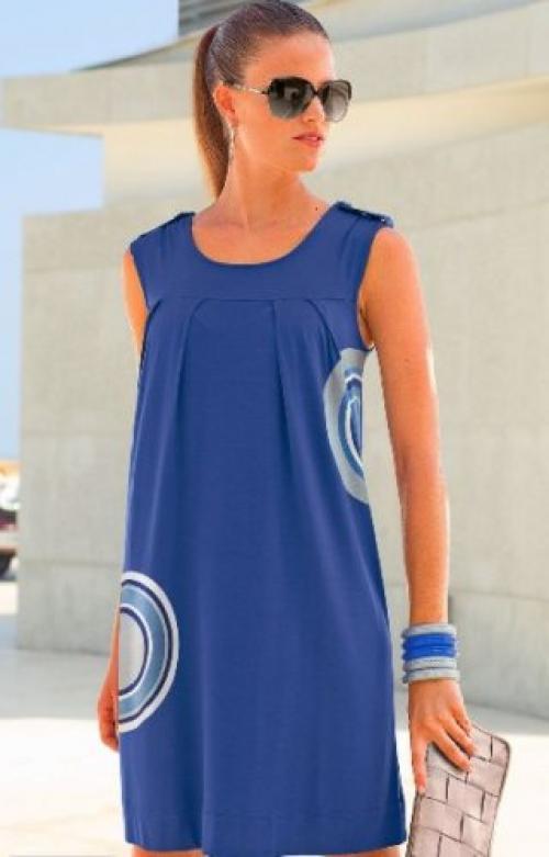 Одежда для женщин с большим животом. Грамотный крой, принт – и скрыт живот