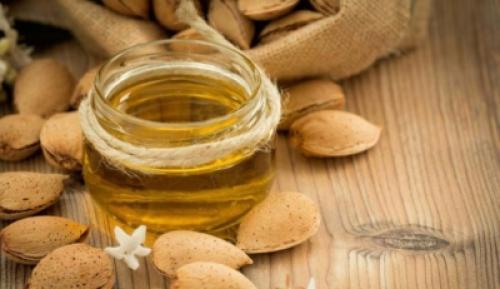 Миндальное масло для тела. Увлажняющее и омолаживающее средство – миндальное масло. Как выбрать и использовать в косметических целях?