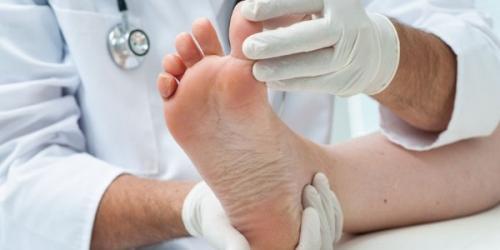 Слазит кожа на пальцах ног у взрослого