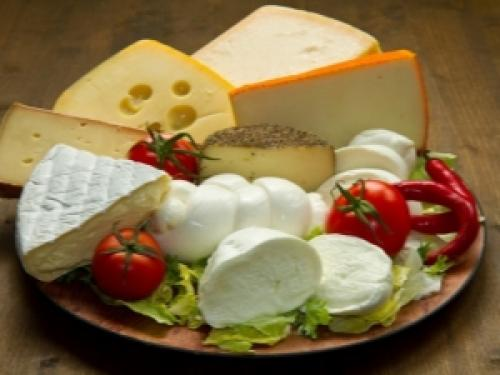 Низкокалорийные сыры список диета. Низкокалорийный сыр: сорта и особенности употребления при похудении