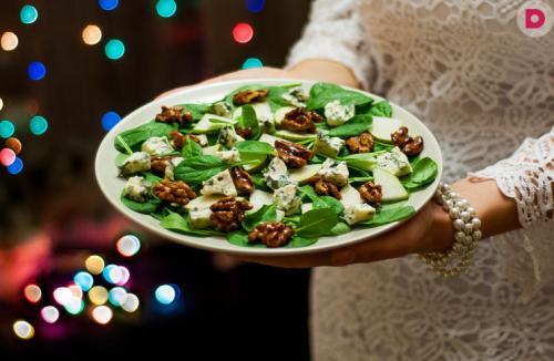 Обалденные салаты на Новый год. Новогодний пикантный салат с изюминкой