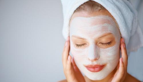 Маска для очищения лица от прыщей и черных точек. Домашние маски для лица против прыщей, черных точек и воспалений