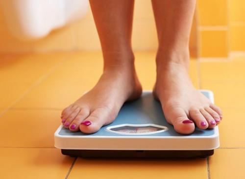От чего набирается лишний вес при небольшом потреблении пищи. Диета тут ни при чем: 25 причин, почему вы набираете вес