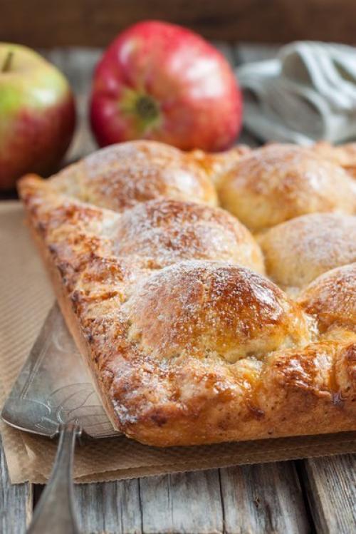 Пирожки из творожного теста с яблоками. Пирог из творожного теста с яблоками.