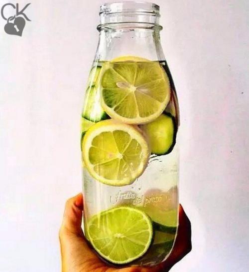 Лимон с водой для кожи. Вода с лимоном для красоты и здоровья